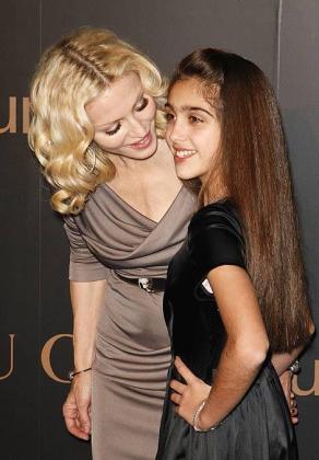 Foto de archivo de Madonna junto a su hija Lourdes María.