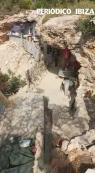 Cs denuncia la «privatización» y okupación de una cueva cercana a Cala Bassa