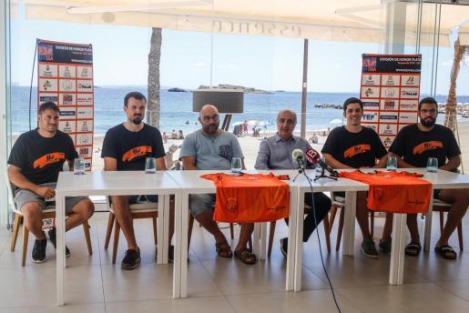 Momento de la presentación de los nuevos fichajes del HC Eivissa en el hotel One.