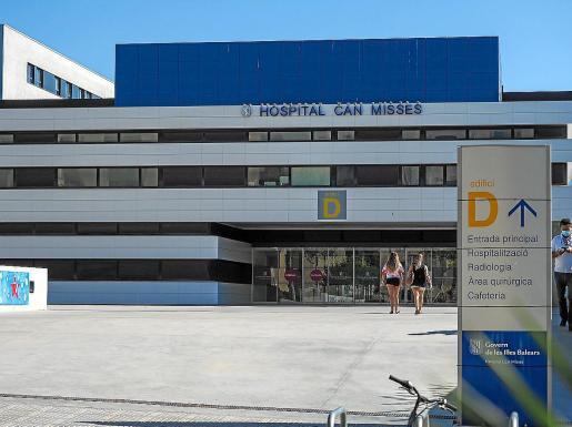 El hospital Can Misses ya realiza todas las pruebas PCR en su laboratorio, sin enviar a Palma.
