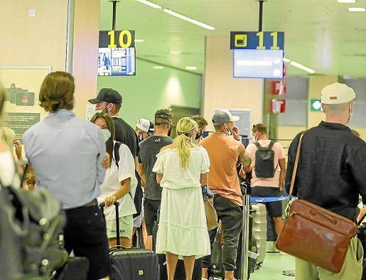 La cuarentena impuesta por el Gobierno británico ha afectado mucho al turismo en las Pitiusas.