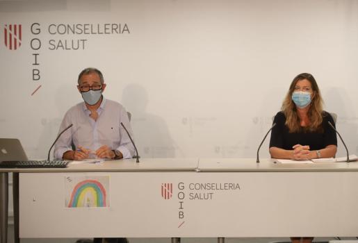 Javier Arranz y Patricia Gómez, en rueda de prensa en la Conselleria de Salut.