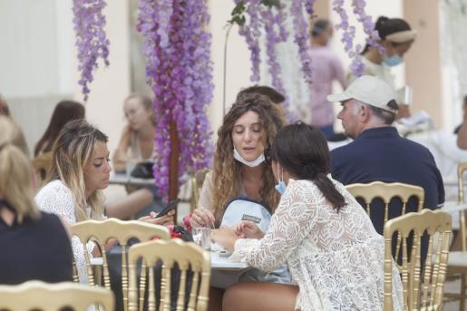 El Govern quiere recortar el aforo de los restaurantes a partir de la semana próxima.