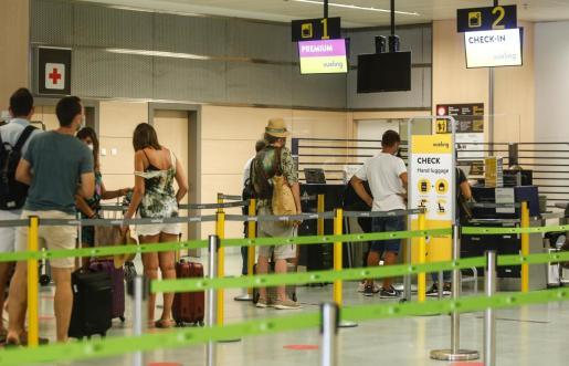 Zona de facturación del aeropuerto de Ibiza.
