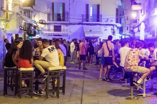 El ocio nocturno de Ibiza logró esquivar por unos días el cierre, hasta que el Govern clarificó el asunto.