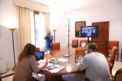 La reunión se celebró por vía telemática.