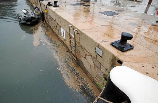 Así quedó el puerto de Ibiza tras unas lluvias registradas a principios del mes de junio de este año.