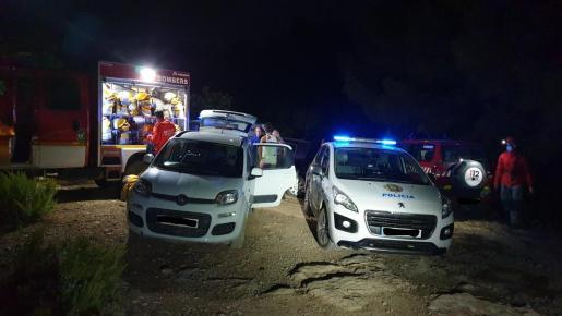 El equipo de rescate de Bomberos de Eivissa, la Guardia Civil y Policía Local de Sant Antoni acudieron al lugar de los hechos.