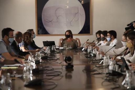 La presidenta Armengol, en la mesa de trabajo del plan de reactivación.