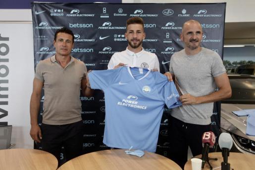 Amadeo Salvo, Kellyan García y Fernando Soriano.