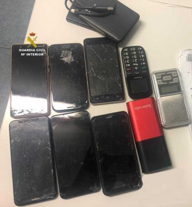 Los móviles incautados.