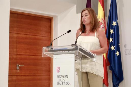 La presidenta del Govern, Francina Armengol, en el Consolat de Mar.