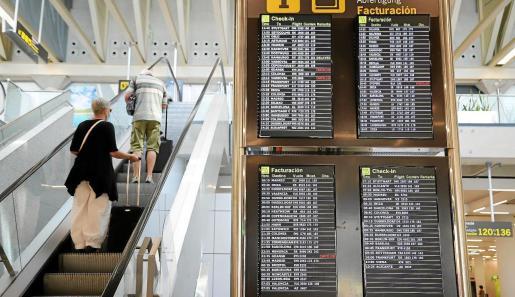 La aerolíneas están muy afectadas por la pandemia.