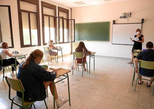 Imagen de archivo de unos estudiantes.