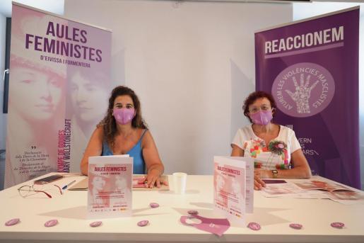 La consellera de Presidencia del Govern, Pilar Costa, y la directora del Institut Balear de la Dona (IBDONA) durante la rueda de prensa de presentación.