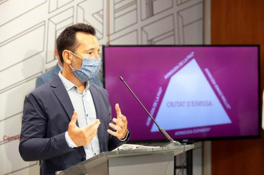 Rafa Ruiz, durante la conferencia de prensa celebrada ayer.
