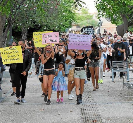 Algunas imágenes de las movilizaciones que tuvieron lugar ayer en Vila.