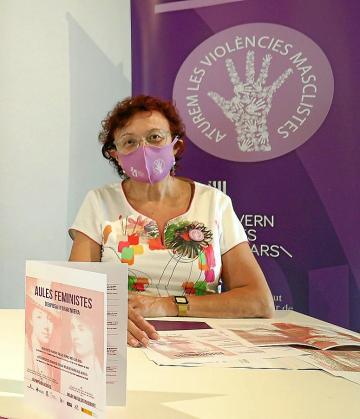 La responsable del Institut Balear de la Dona, Marina Duran, que en la imagen aparece con mascarilla en un acto reciente, considera que Madrid será sensible con la petición de Baleares.