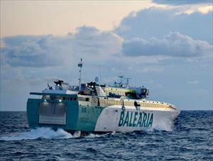 Imagen del ferry Ramón Llull.