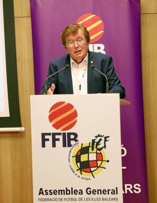 Miquel Bestard, presidente de la FFIB, durante una comparecencia.