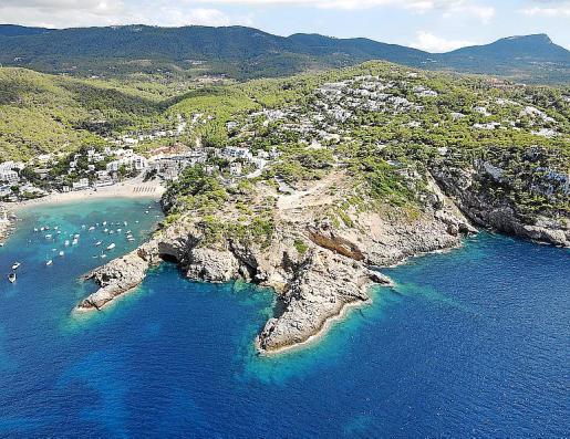 Vista aérea de los terrenos en los que se prevén 12 villas de lujo.