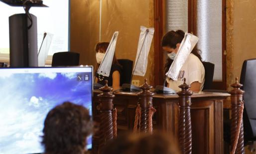 La acusada, Sandra S.F., durante la última sesión celebrada a la espera del veredicto.