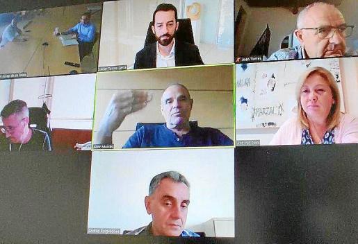 Imagen de la reunión telemática entre Consell y ayuntamientos.