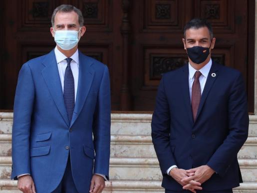 El Rey Felipe VI y Pedro Sánchez.