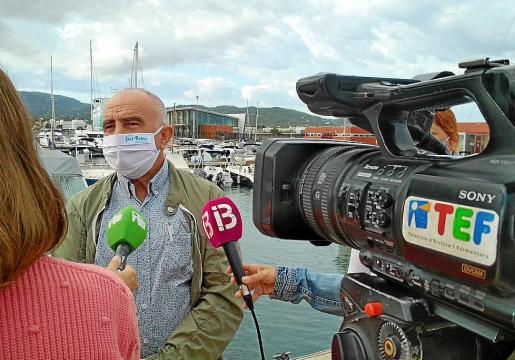 Joan Torres, ayer, en el puerto de Sant Antoni.