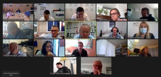 Una captura de pantalla de la reunión.