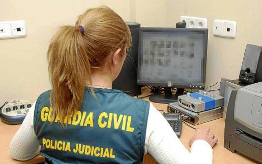 La Guardia Civil detuvo al facultativo y horas después pasó a disposición judicial quedando en libertad.