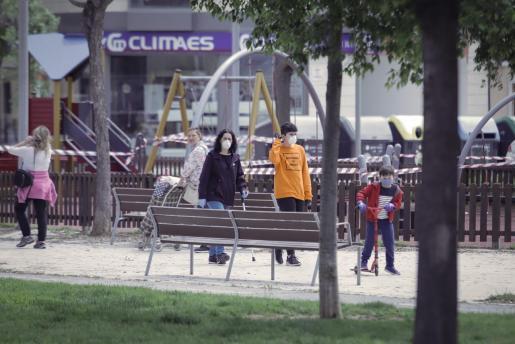 Algunas restricciones se mantendrán, pero otras podrían levantarse como el cierre de los parques.