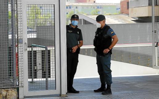 La Guardia Civil se ha hecho cargo de la investigación y ha detenido a la mujer que atacó a su ex.
