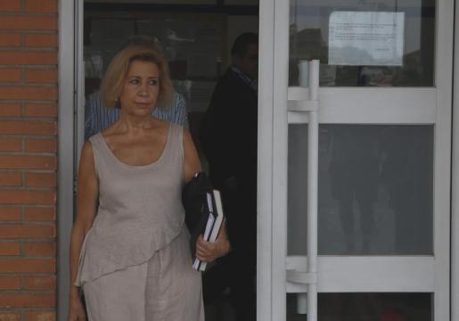 Maria Antònia Munar en la salida de prisión durante su primer permiso.
