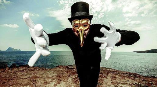 El enigmático dj y productor Claptone está íntimamente vinculado a Ibiza