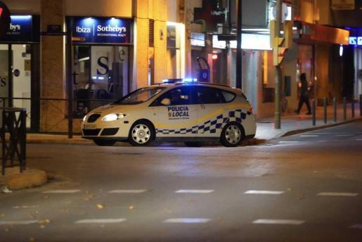 Una patrulla de la policía local del Ibiza.