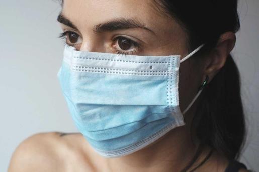 Cómo mantener tu mascarilla reutilizable para volver a usarla de forma segura.