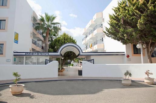 Los dos jóvenes fueron detenidos en el hotel La Noria después de que una empleada les denunciase.