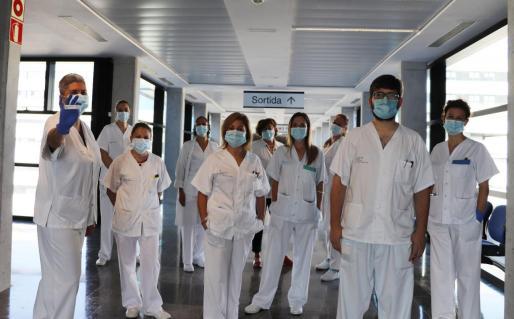 Grupo de Sanitarios del Centro de Salud de Sant Jordi que ya han acabado la formación.