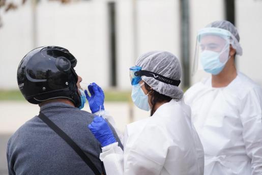 En total, desde el inicio de la pandemia de coronavirus y hasta el 28 de octubre, el Servicio balear de Epidemiología ha validado 18.213 diagnósticos positivos de SARS-CoV-2 en la comunidad.