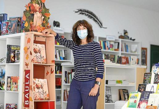 Montse regenta la librería Sa Cultural de la ciudad.