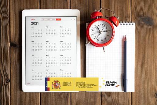ℹ️ Publicada en el Boletín Oficial del Estado #BOE la relación de fiestas laborales de 2021 @empleogob   👉… https://t.co/i8HZ2REw1b