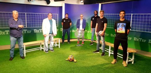 De izquierda a derecha la alineación del DxTEF de esta semana con Joan Riera, Toni Torres, Carles Guasch, Paco Pérez, Jordi Grimau, Gianluca Simeone y Raúl Gómez.