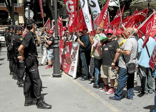 Los empleados públicos de Baleares protagonizaron numerosas protestas durante la legislatura de José Ramón Bauzá y de Mariano Rajoy por los recortes en sus sueldos. Las protestas pueden repetirse ahora de nuevo.