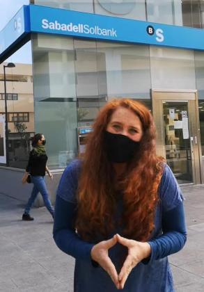 Viviana de Sans en el video en el que critica al Consell.