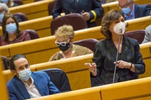 La vicepresidenta primera del Gobierno, Carmen Calvo, interviene durante una sesión de control al Gobierno en el Senado, en Madrid (España), a 3 de noviembre de 2020. Durante el pleno de hoy, el Ejecutivo ha respondido a cuestiones relacionadas, entre otr - POOL. Ángel Navarrete. El Mundo