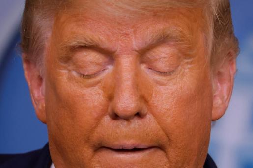 Donald Trump en el momento de iniciar la declaración realizada en la noche de este jueves.