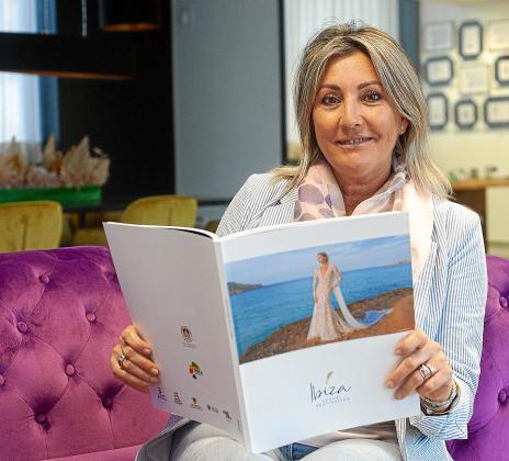 Nuria Moreno, en su oficina de Sant Antoni desde la que desarrolla los proyectos de Ibiza Luxury Destination.