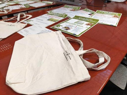 Talleres de compostaje y de papel reciclado para celebrar la Semana Europea de la Prevención de Residuos.