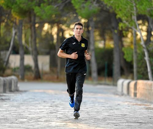 Dani Planells, ayer en Santa Eulària, antes de comenzar su entrenamiento.